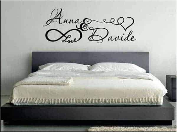 Adesivo murale personalizzato love - Decorare la camera da letto ...