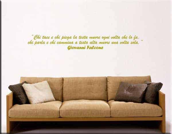 decorazione adesiva murale frase Falcone