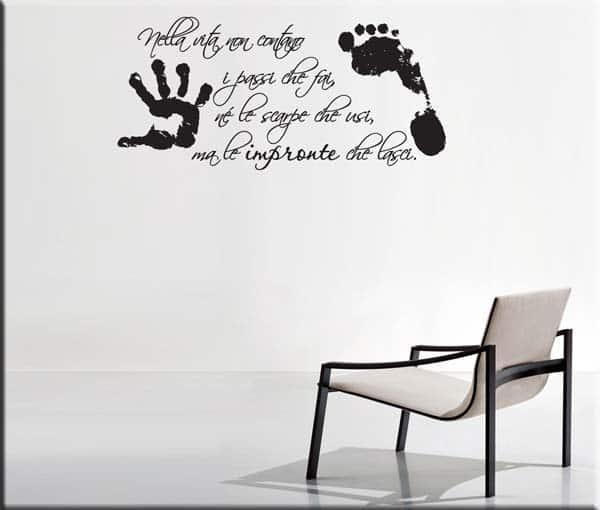 Adesivi murali frase vita impronte - Adesivi parete camera da letto ...