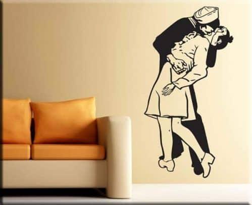 Adesivo murale bacio marinaio infermiera