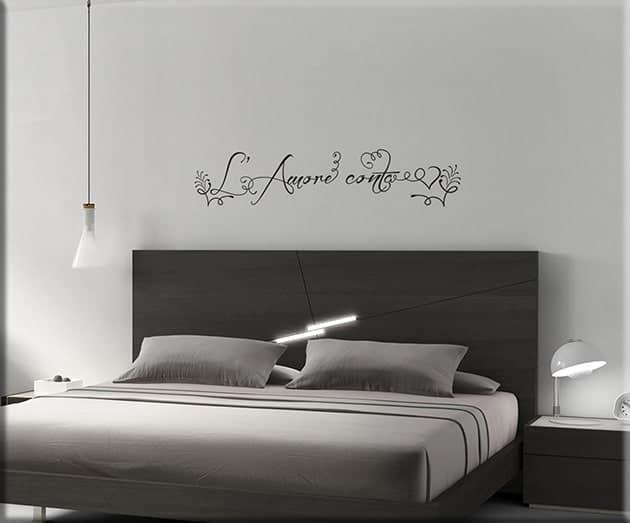 adesivo da parete frase l'amore conta