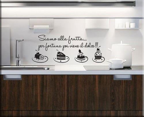 Adesivi murali frasi aforismi un nuovo modo per arredare for Rivestimenti adesivi per pareti cucina