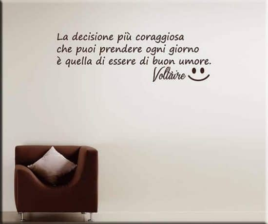 wall stickers frase Voltaire buon umore