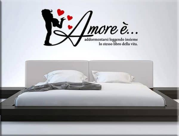 adesivi murali frase amore arredo letto