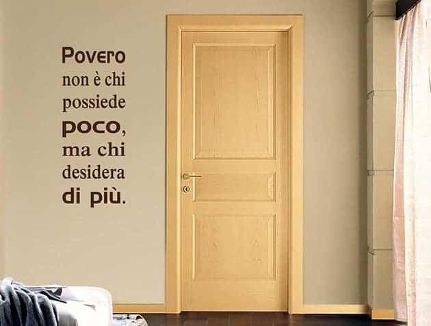 Adesivi murali frase povero arredo Seneca