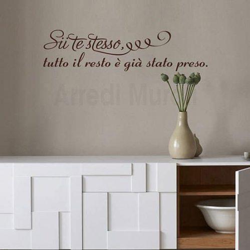 Adesivi da muro frase citazione Oscar Wilde marrone