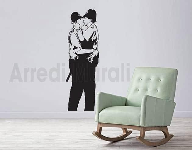 adesivi murali Banksy kissing coppers decorazioni da parete