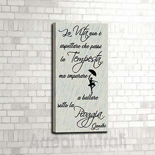 quadro con scritte frase Gandhi verticale e senza cornice