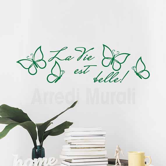 """Adesivi da parete con scritte """"la vie est belle"""" e farfalle adesive verde"""