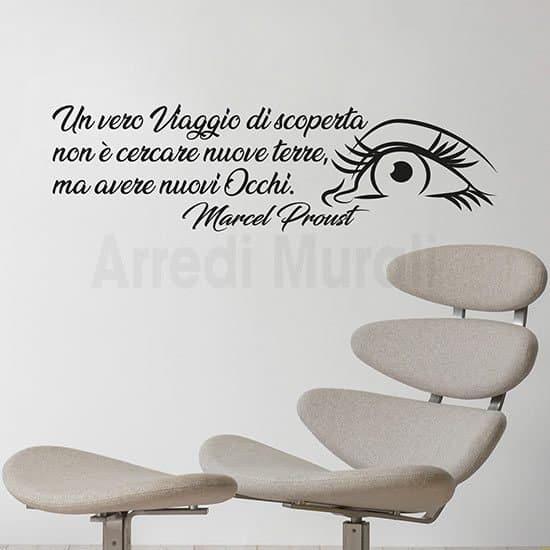 adesivi murali aforisma proust con disegno di un occhio e una sua citazione famosa