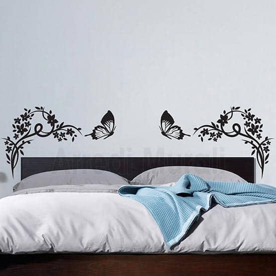 decoro testata letto con adesivi murali floreali e 2 farfalle