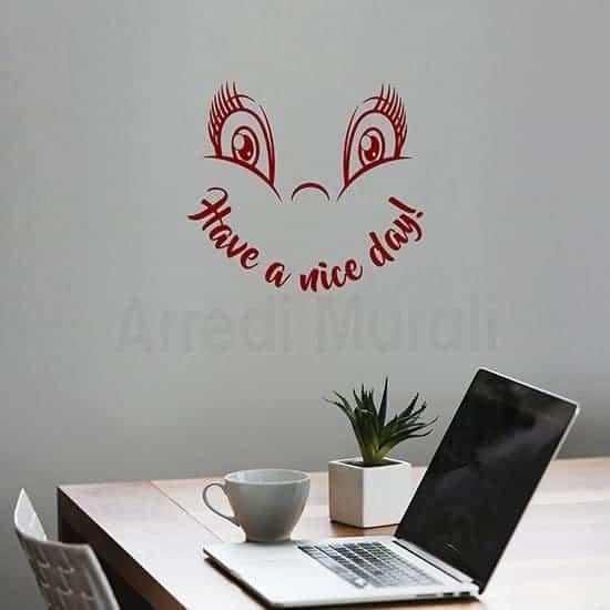 adesivi murali buona giornata con scritta inglese e simpatica faccina