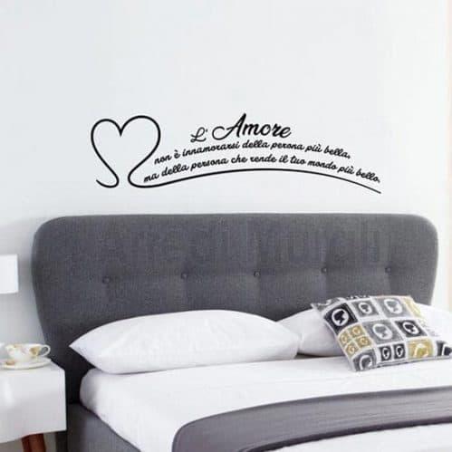 Adesivi murali frase l'amore non è nero