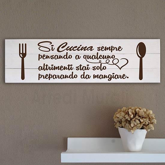 Pannelli shabby con frase per la cucina in legno