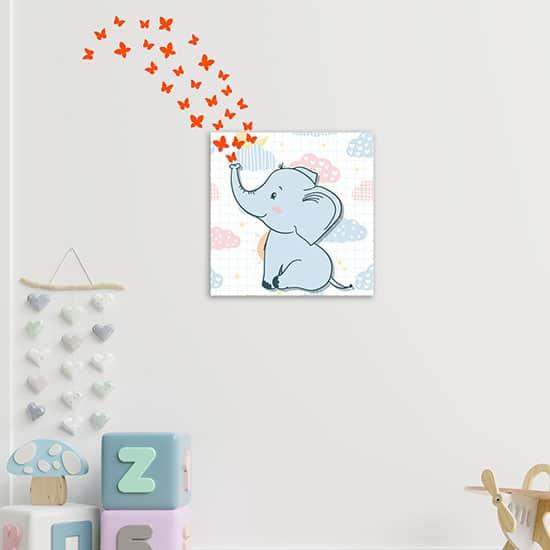 Quadro per bambini con stickers farfalle per arredare