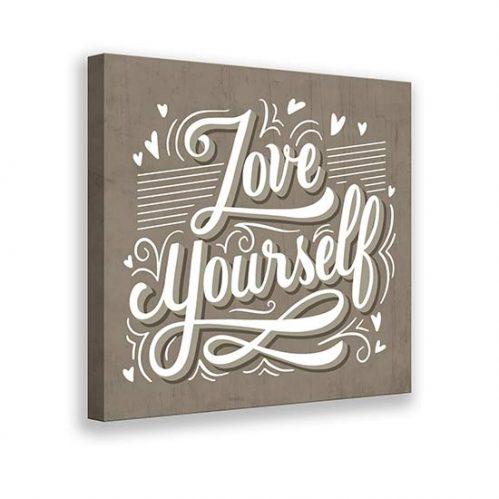 quadro con scritta Love yourself