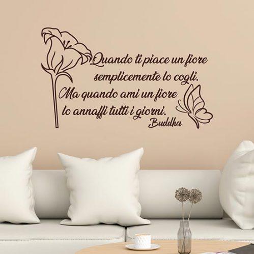 Frase adesiva sul fiore di Buddha